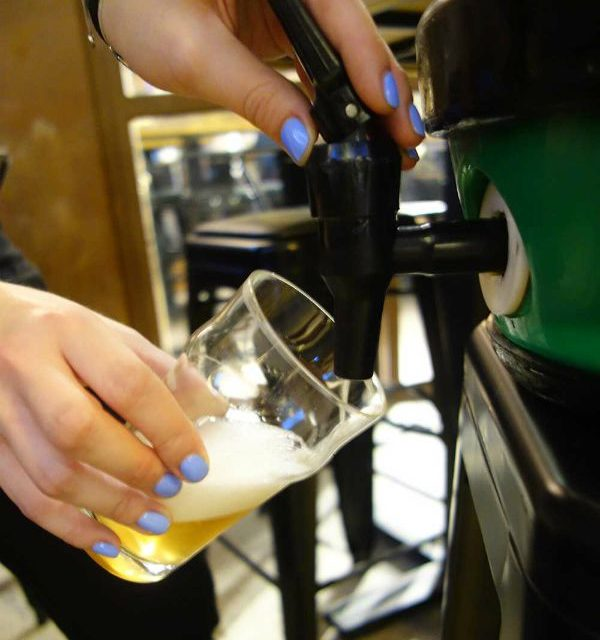 http://zapfler-craft-beer.com/wp-content/uploads/2017/10/floezlinger.-600x640.jpg