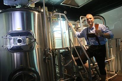 http://zapfler-craft-beer.com/wp-content/uploads/2018/07/Brewery-Dirk.jpg