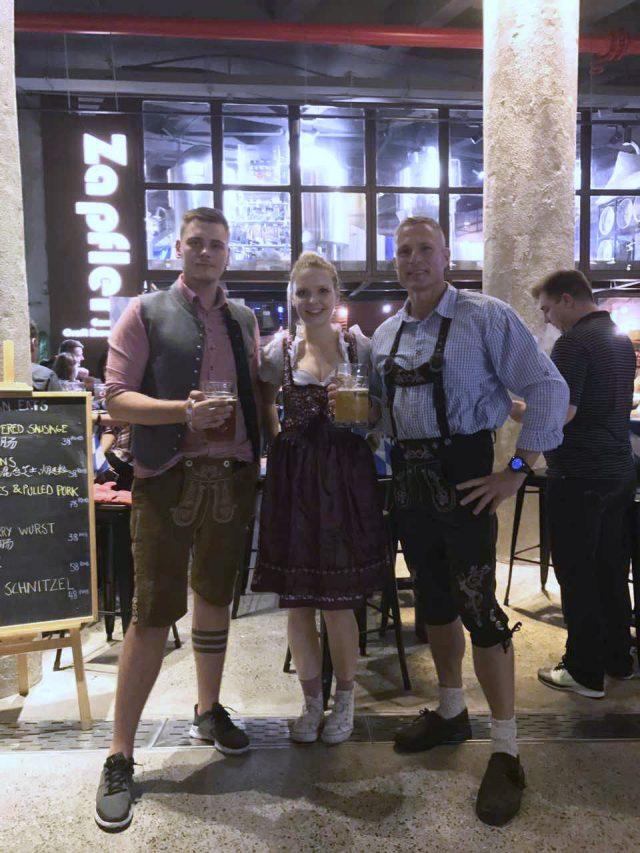 http://zapfler-craft-beer.com/wp-content/uploads/2018/10/Oktoberfest-2017-640x853.jpg