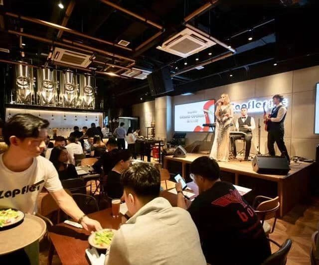 http://zapfler-craft-beer.com/wp-content/uploads/2019/10/zapfler-wujiang-opening-night-640x532.jpg